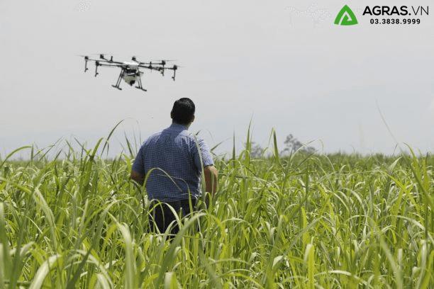 sử dụng máy bay không người lái trong nông nghiệp